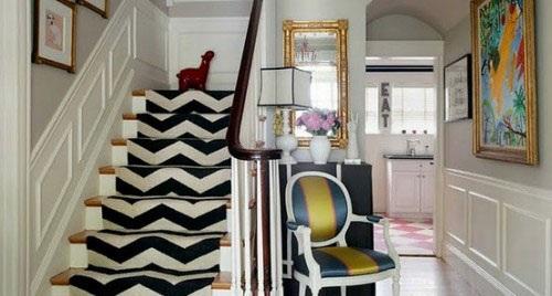 تزئین زیبای راه پله خانه با فرش و موکت
